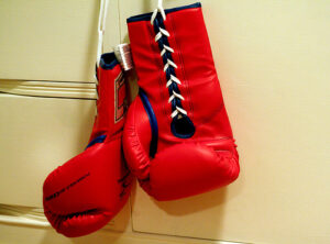 A boxkesztyű elengedhetetlen kelléke e küzdősportnak