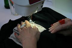 Egyedi ruhacimke készítése