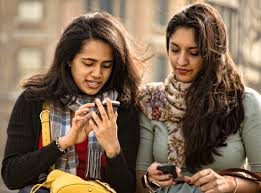 A használt mobiltelefonok rengetege megtalálható