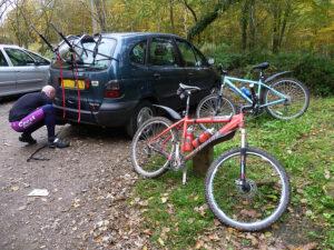 A vonóhorogra szerelhető kerékpártartó jó megoldás