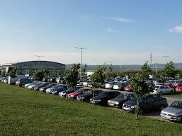 Fontos, a jó reptéri parkoló