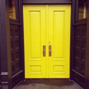 Szépen festett belső ajtó